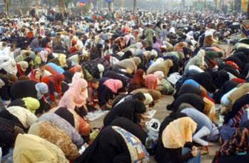 Women's attendance at Eid prayers 15